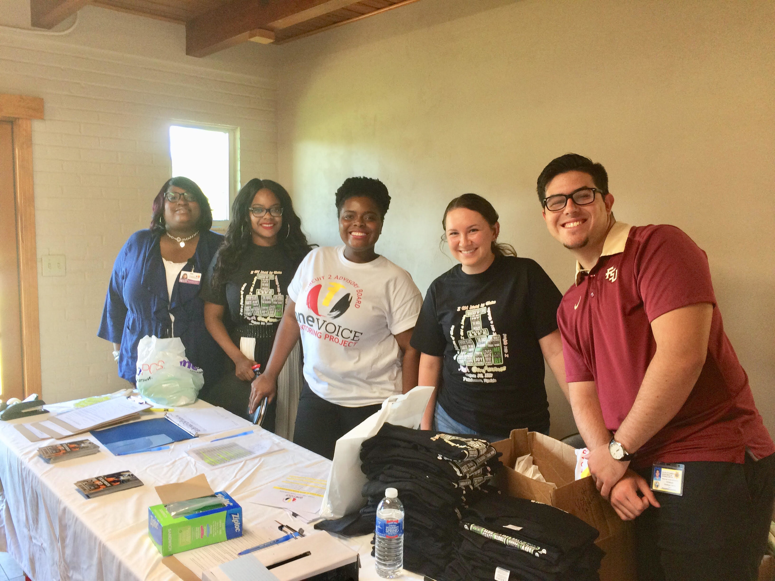 DJJ Staff and Volunteers alone with FSU Faith Volunteers