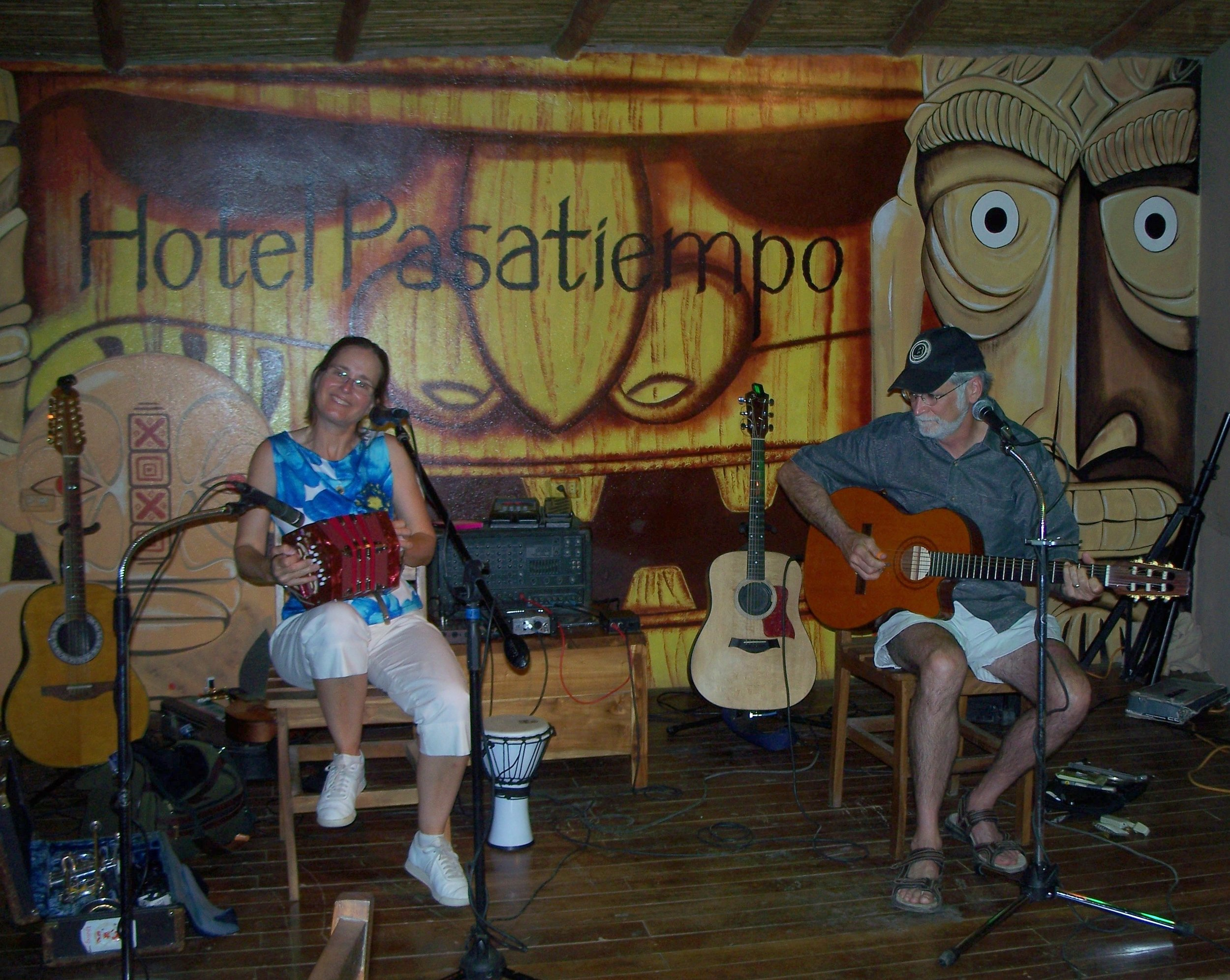 Show at Hotel Pasatiempo, Tamarindo, Costa Rica (April 2014)!