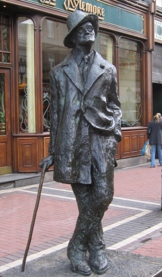A statue of James Joyce, located near the site of Mooney's pub.