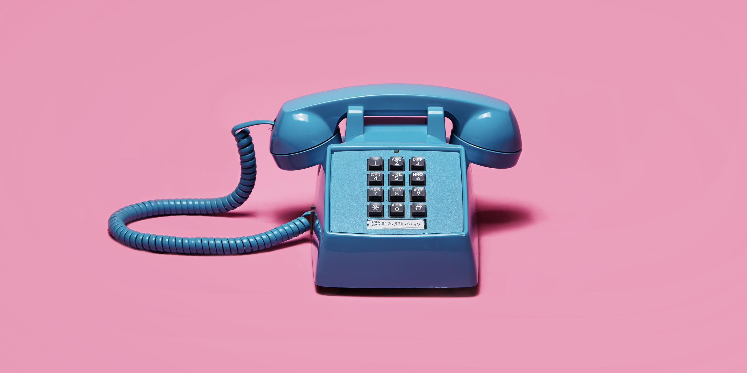 3_pinkphone_1.jpg