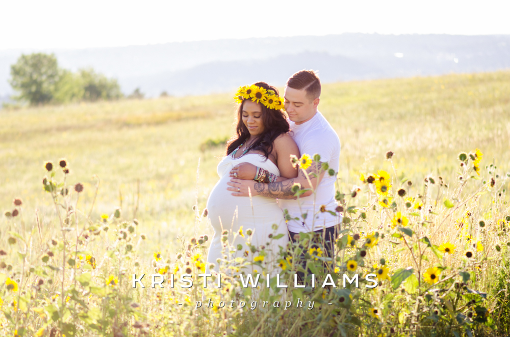 sunflowermaternityphotography