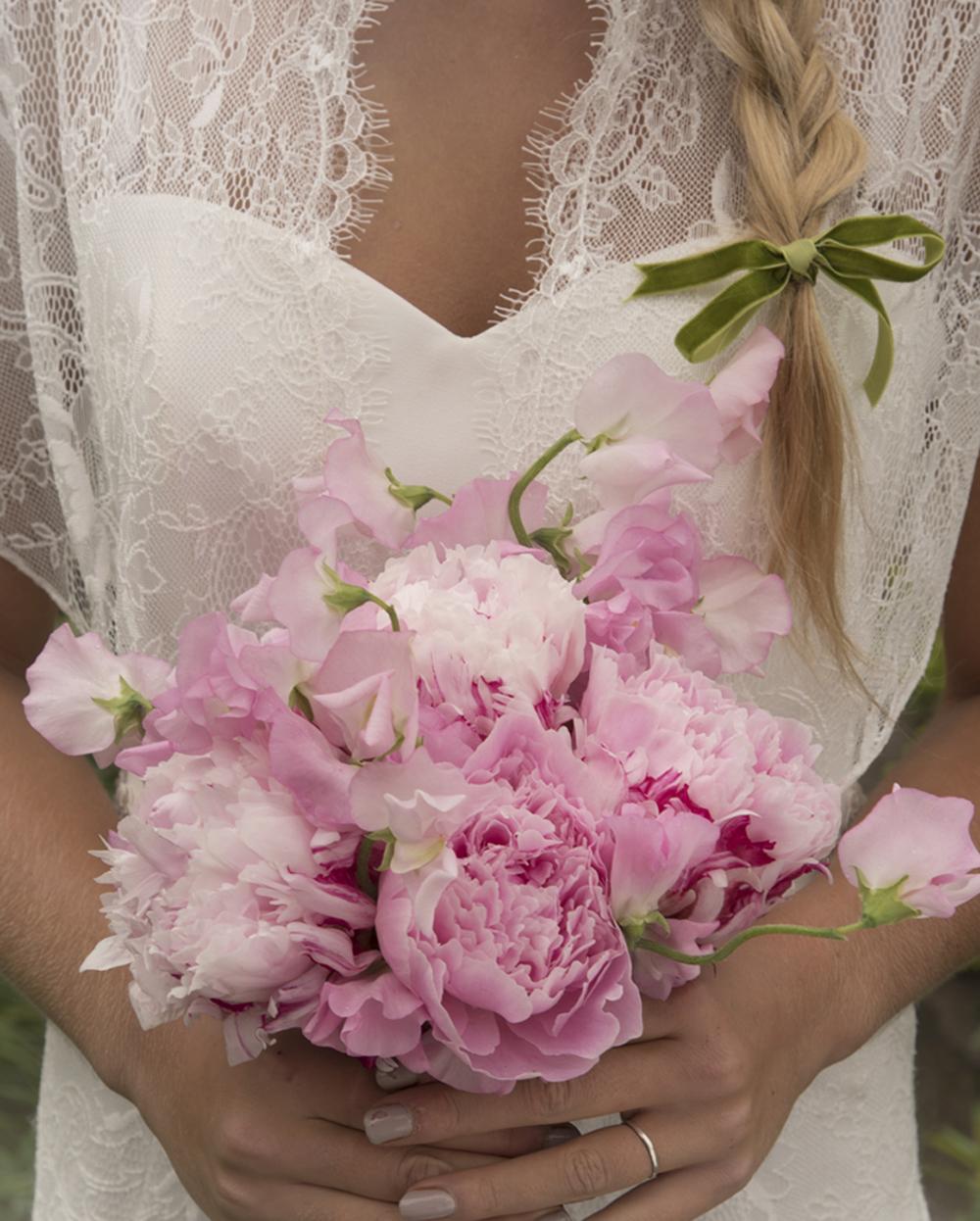 textural summer bouquet