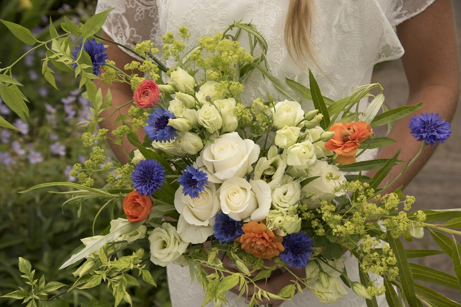 Lime foliage white for bridal bouquet