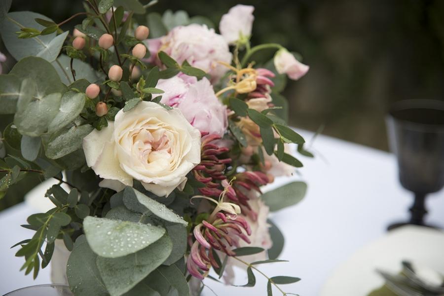 Soft pink wedding table decoration