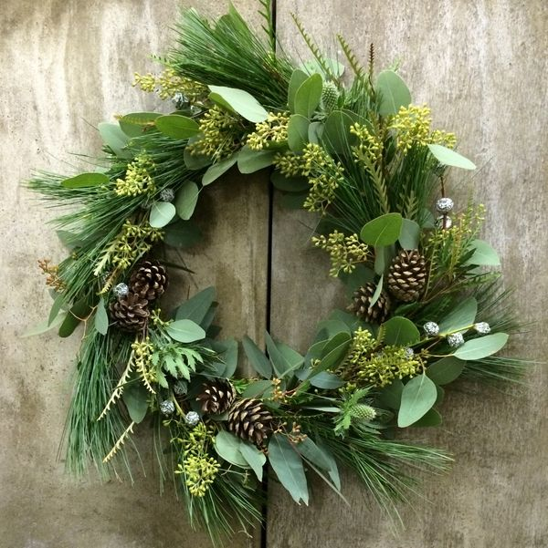 Classic sylish green wreath for Christmas