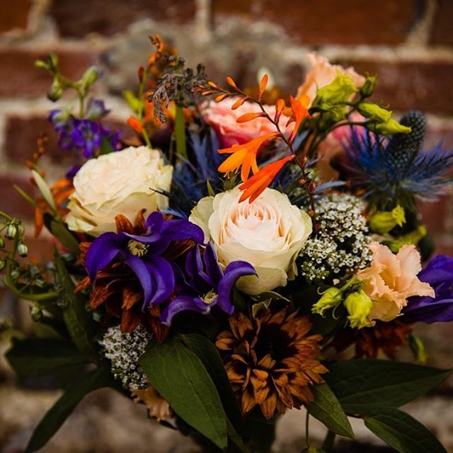 A reminder of Tara's bouquet and a wonderful joyful wedding at Hawthbush Farm . #lovesussexweddings #hawthbushfarmwedding #hawthbushfarm #lovedupinlewes #sussexbride #lewesbride #sussexfarmwedding