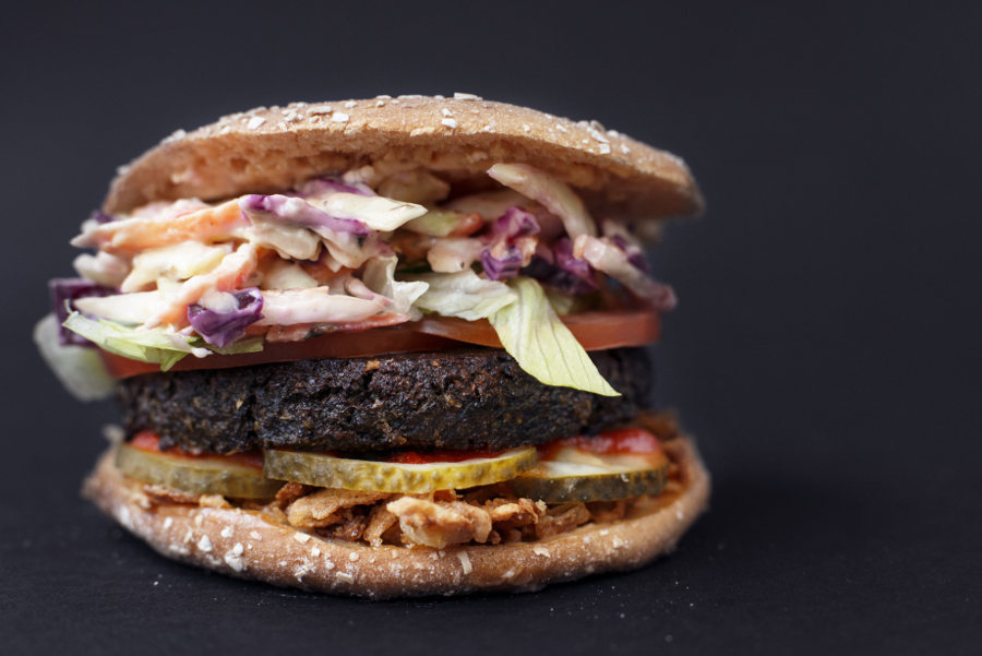 Vegan burger fro Soi Soi restaurant in Finland !! (pic. soi soi)