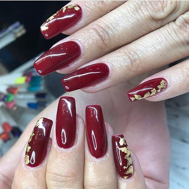 Holiday nails anyone ?