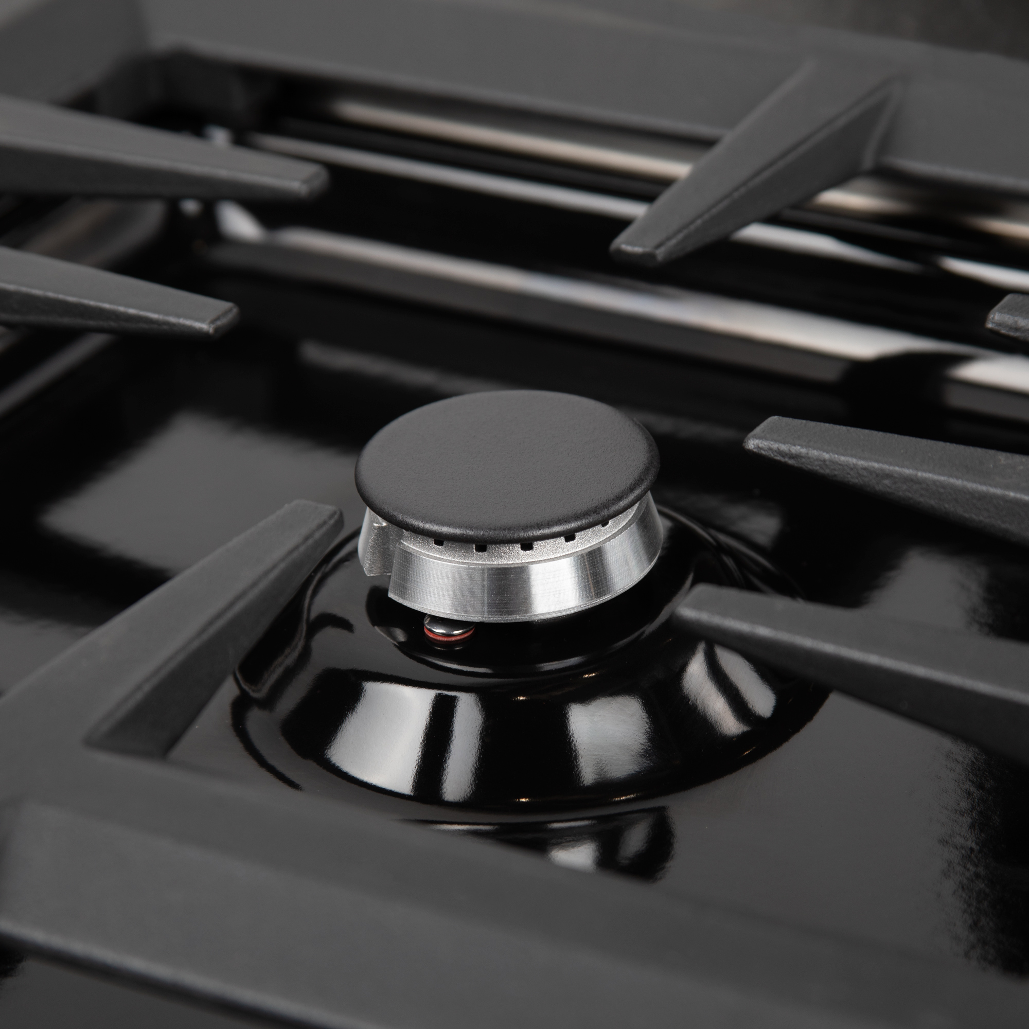 zline-professional-gas-dropin-cooktop-RC36-PBT-closeup.jpg