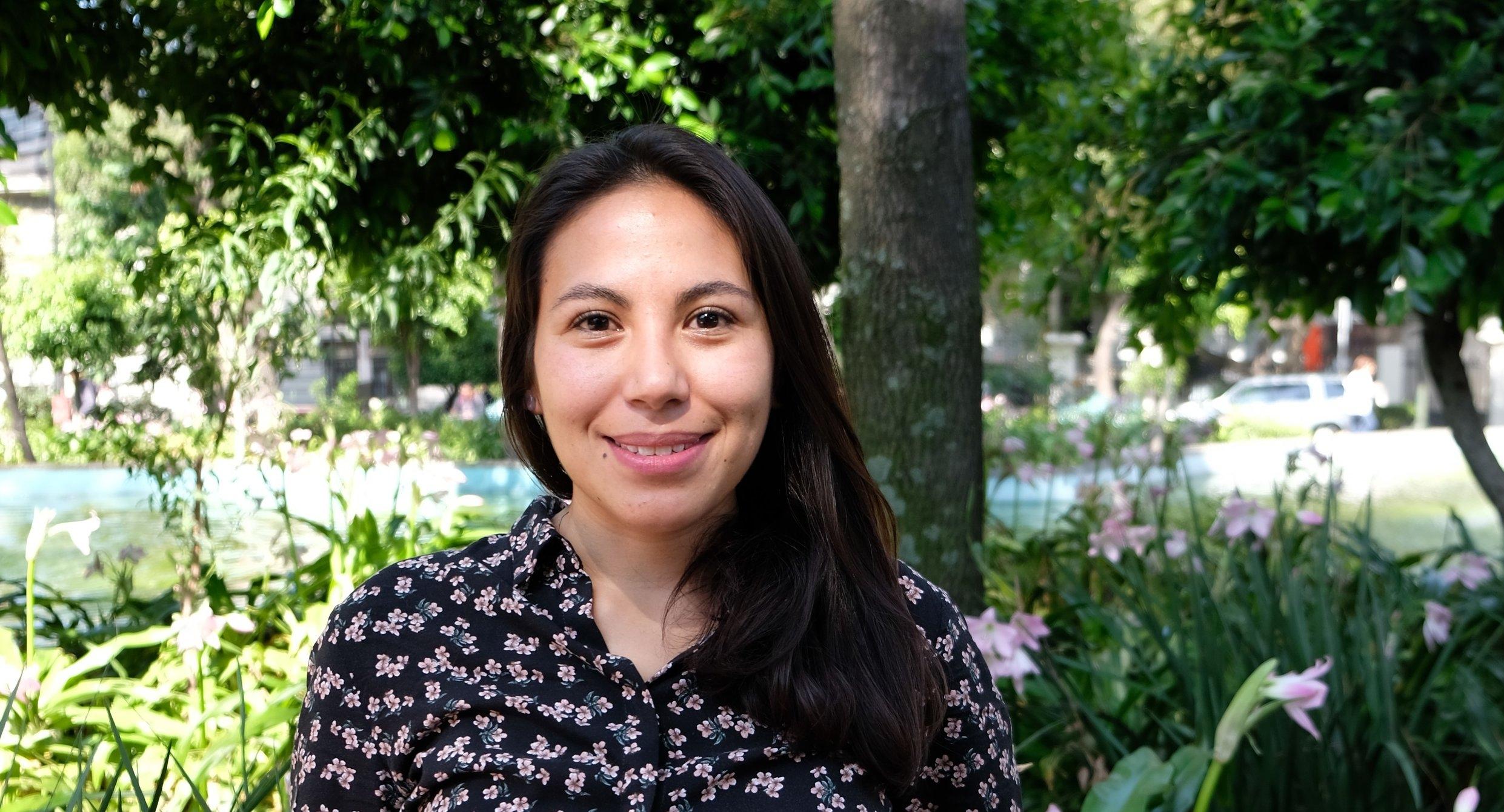 Fátima Cisneros Analista de Contenidos  Fátima es egresada de la Universidad Nacional Autónoma de México, Licenciada en Planificación para el Desarrollo Agropecuario. En su rol de Analista de Contenidos, Fatima es la encargada de la calidad y de la planeación de la información que transita por la plataforma de comunicación de Extensio, asegurándose que el productor reciba la información adecuada para tomar decisiones, en el momento oportuno y via el canal de comunicación adaptado.