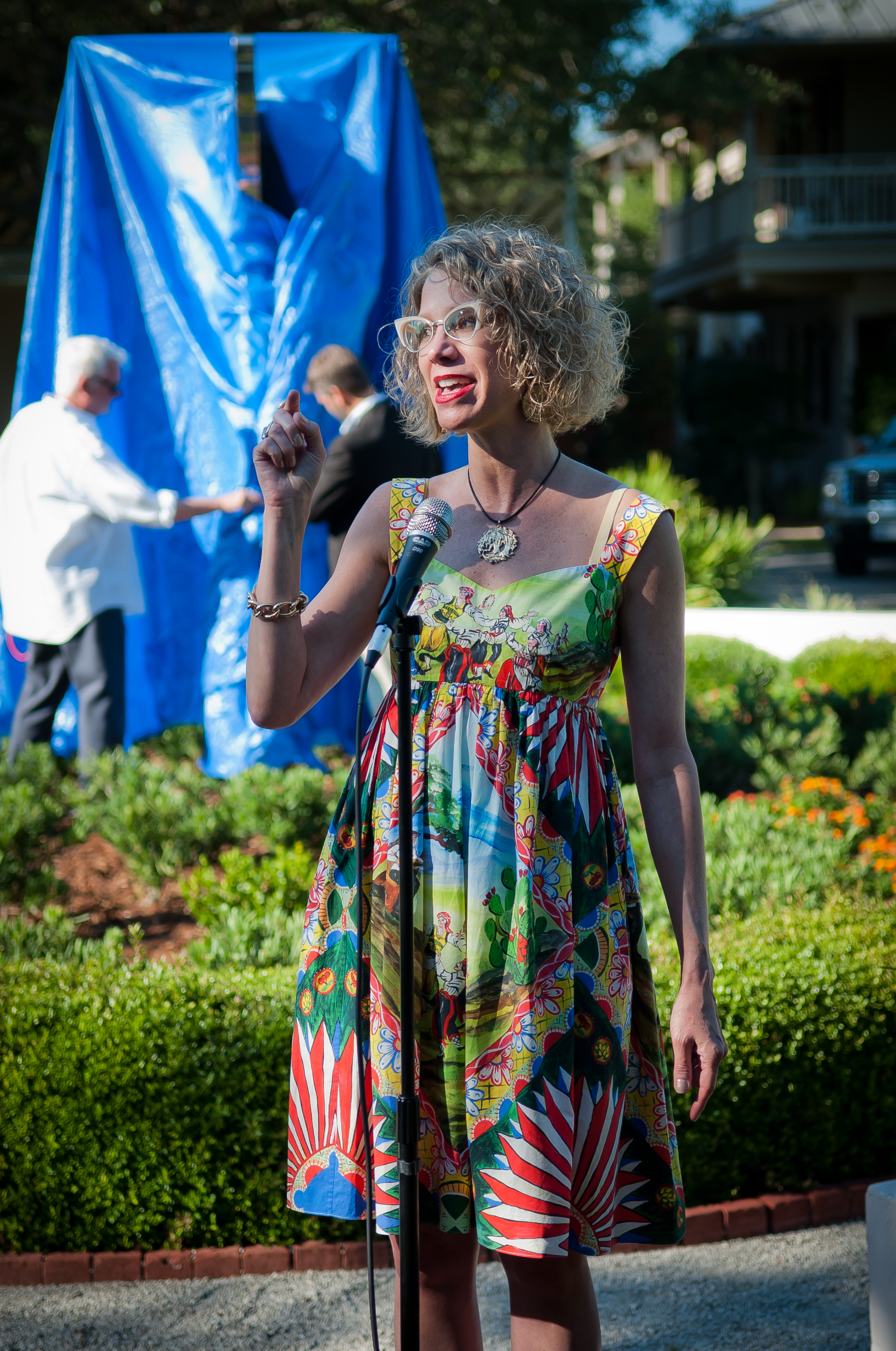 - Wendy Rodrigue announces donation of her late husband's sculpture, Colors of My Mind, to the Rosemary Beach Property Owners Association as the sculpture is unveiled on opening night.