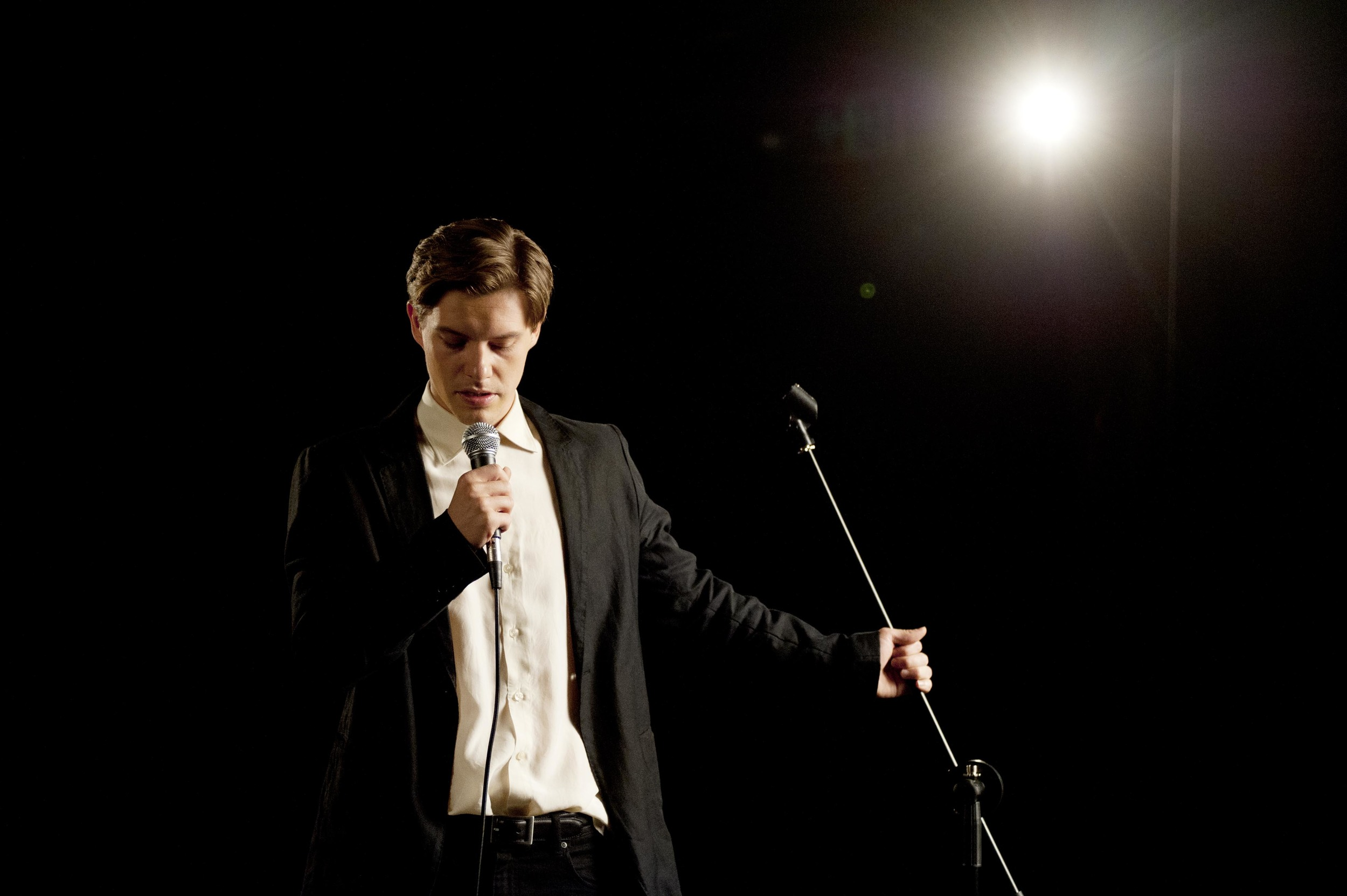 2. Xavier Samuel is OTTO BLOOM Boxing Day Speech The Death and Life of Otto Bloom photo by Suzy Wood.jpg