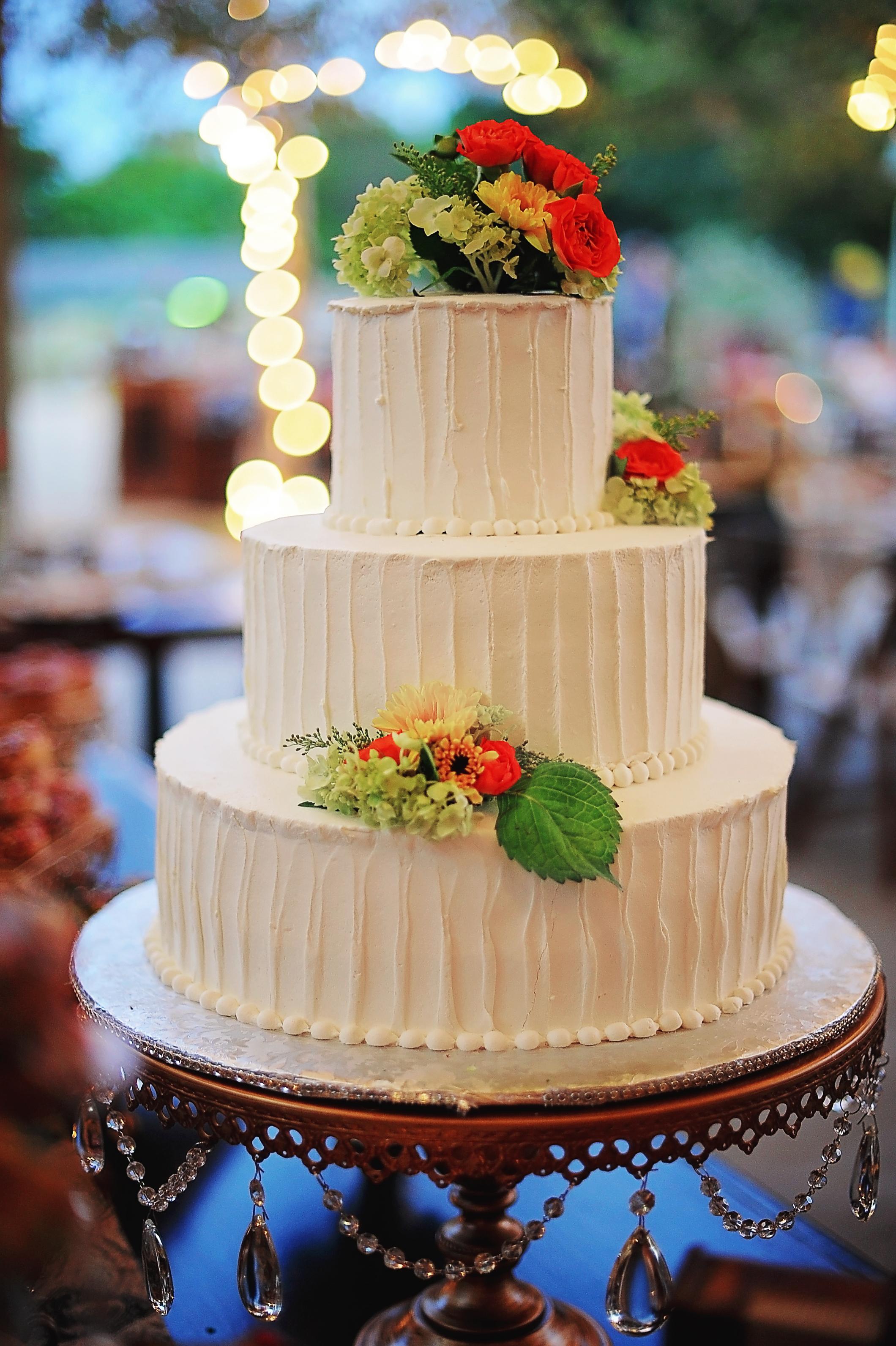 Grand Round Wedding Cake Stand   Opulent Treasures