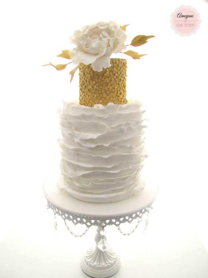 White Chandelier Cake Stand   White & Gold Wedding