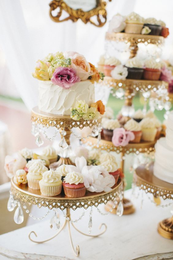 Gold Chandelier Loopy Cake Plates   Opulent Treasures