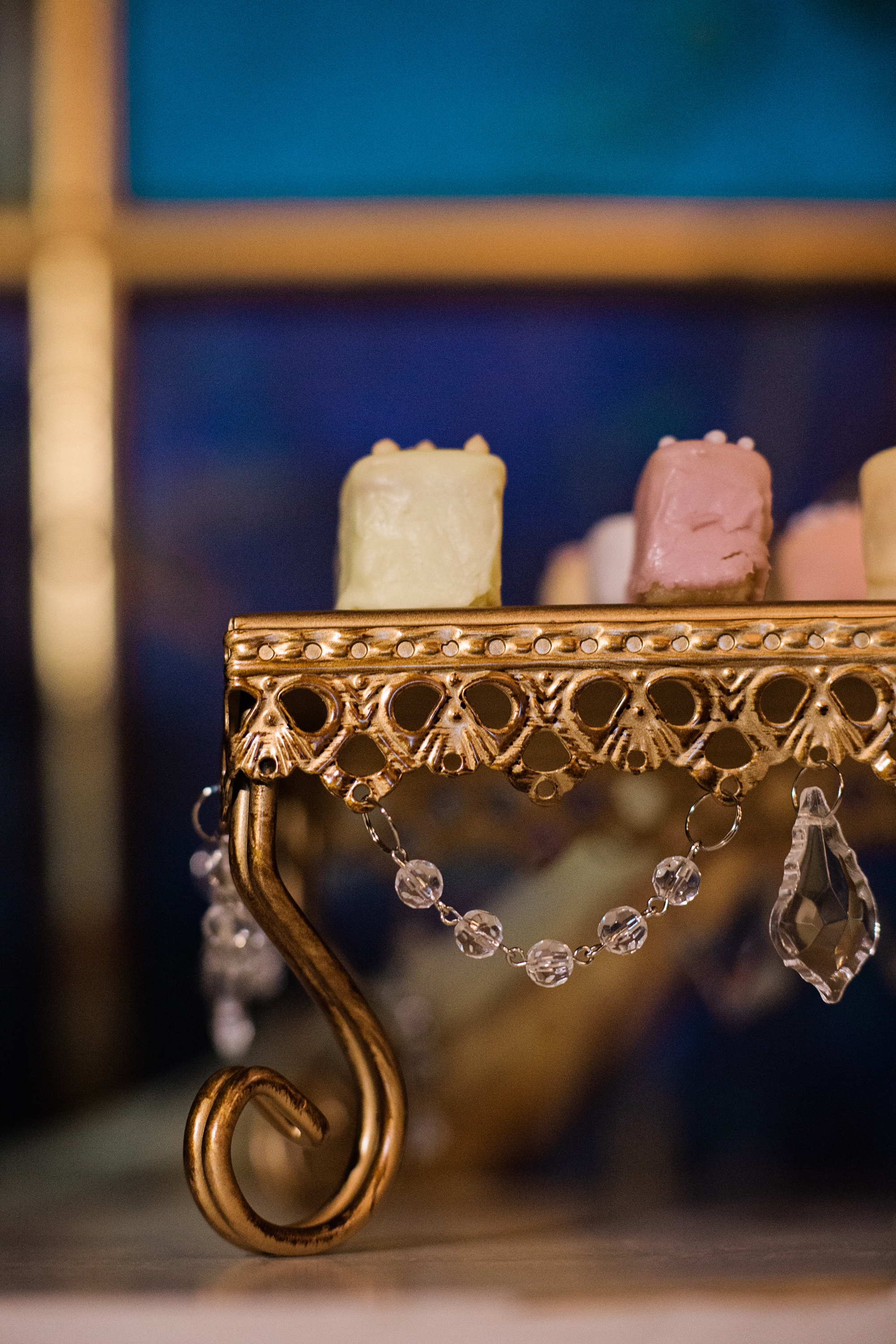 Chandelier Square Loopy Cake Stand   Opulent Treasures