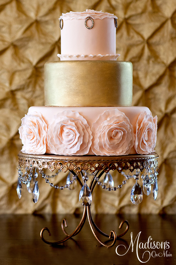 Gold Chandelier Loopy Leg Plate   Blush & Gold