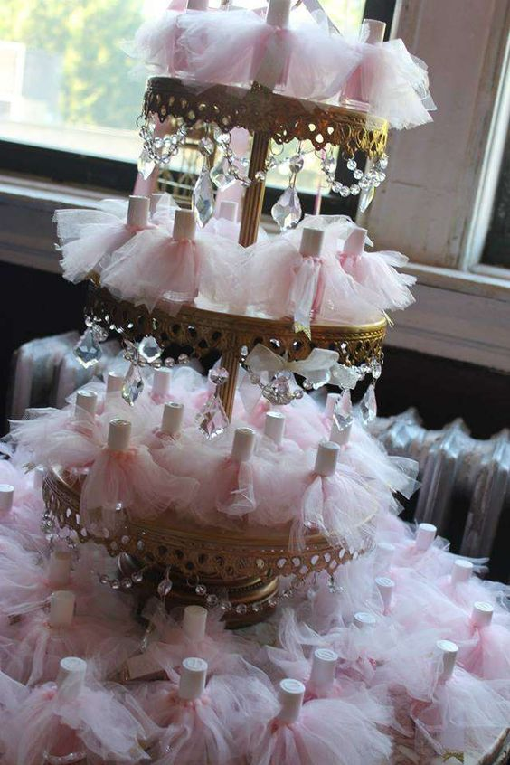 Tiered Chandelier Stand   Party Favors