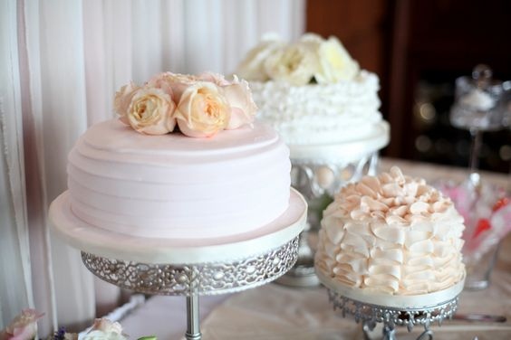 Silver Cake Stands   Single Layer Cakes