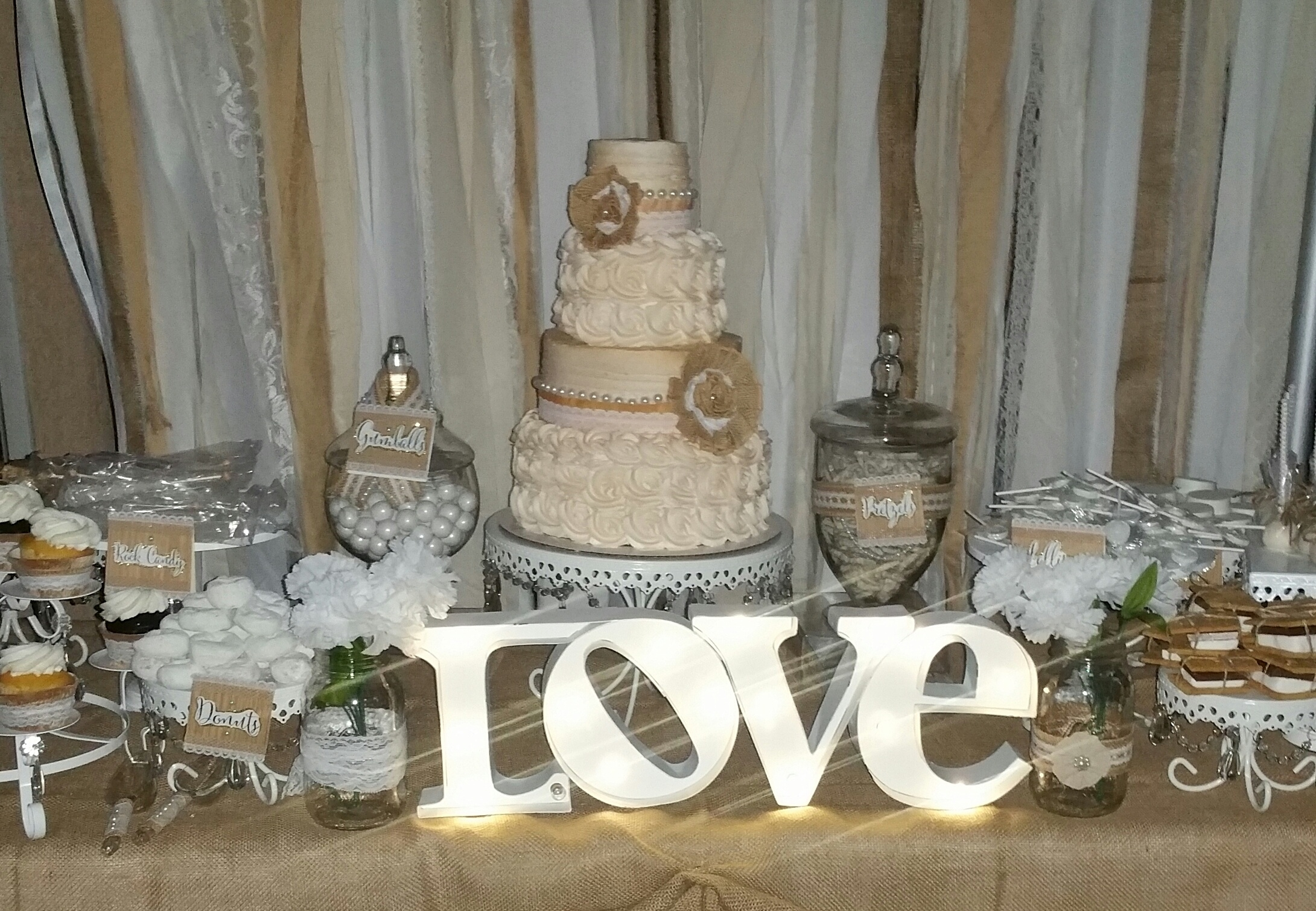 Love Cake Table   White Cake Stands