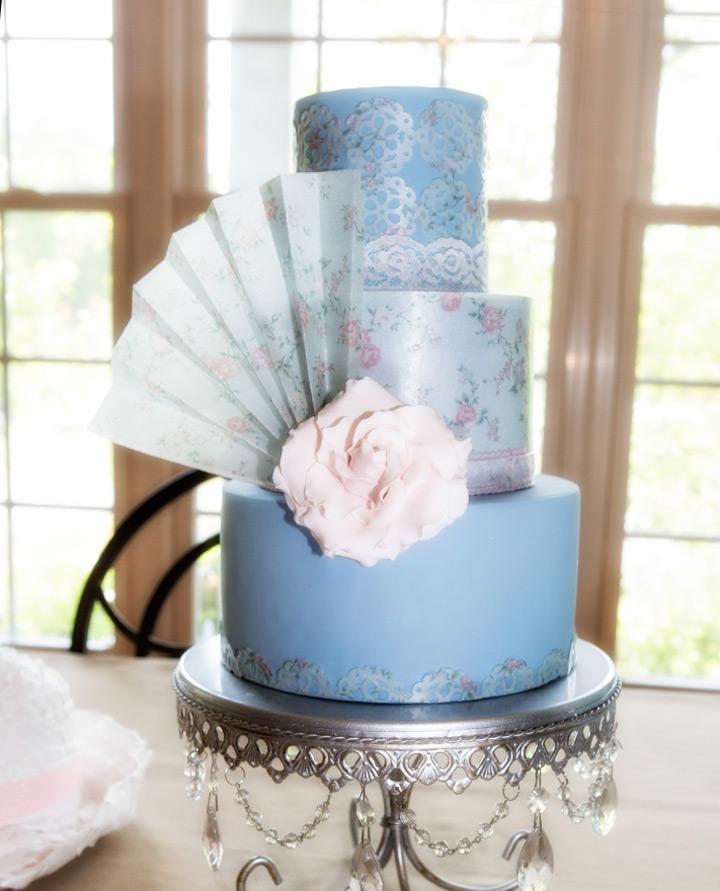 Silver Chandelier Loopy Cake Plate   Opulent Treasures