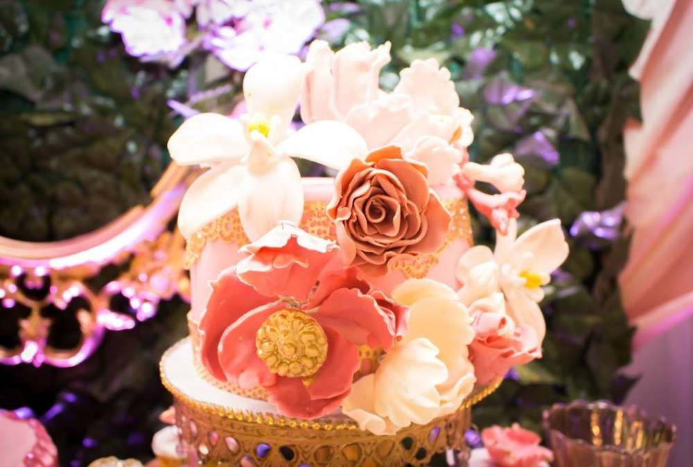 Fresh Flowers on Cake Stands
