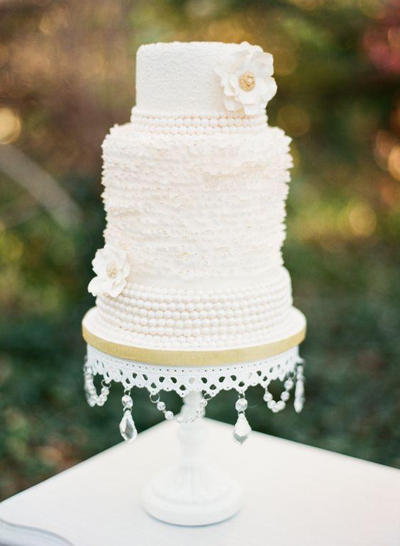 White Chandelier Cake Stand   White Wedding Cake