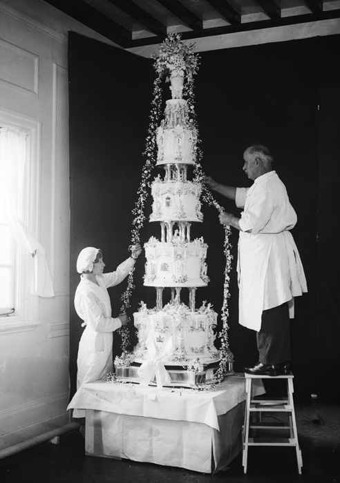Queen Elizabeth and Prince Philip Wedding Cake 1947