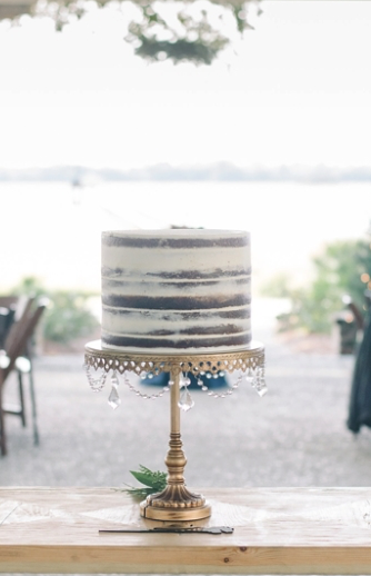 gold 12%22 cake stand.png