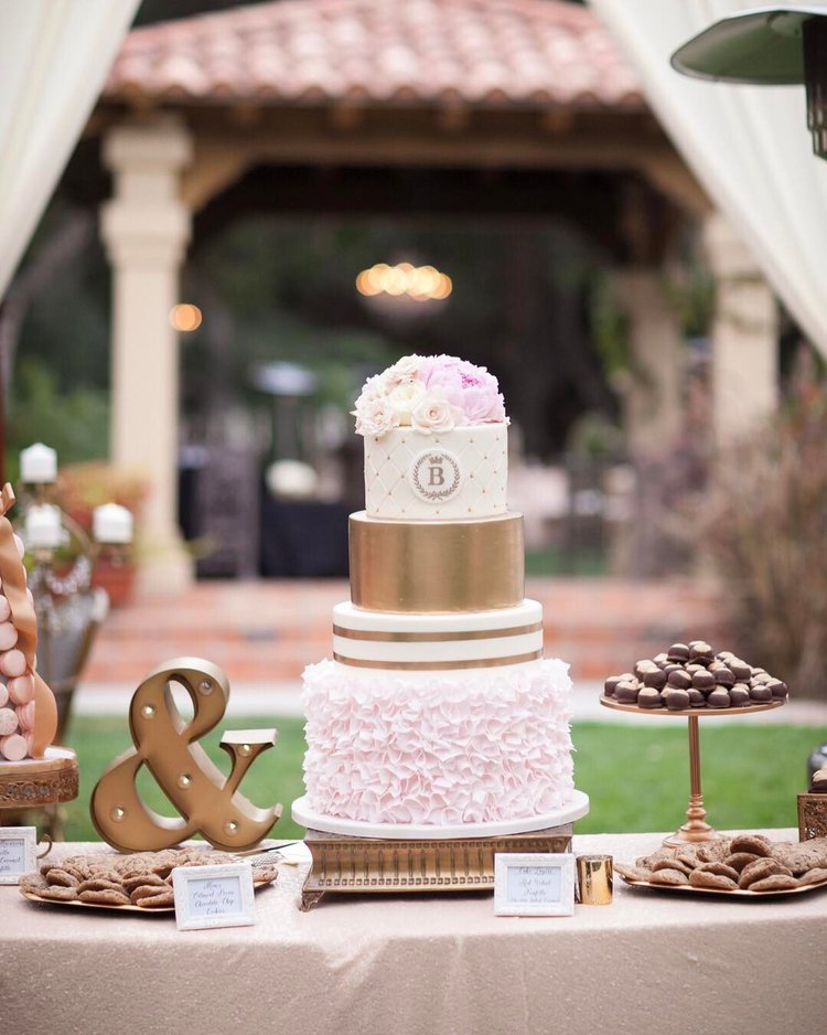 Opulent-Treasures-cake-stamd-gold-blush-wedding.png
