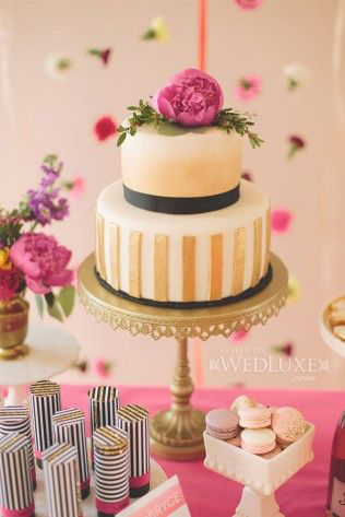 gold-cake-stand-opulent-treasures.png