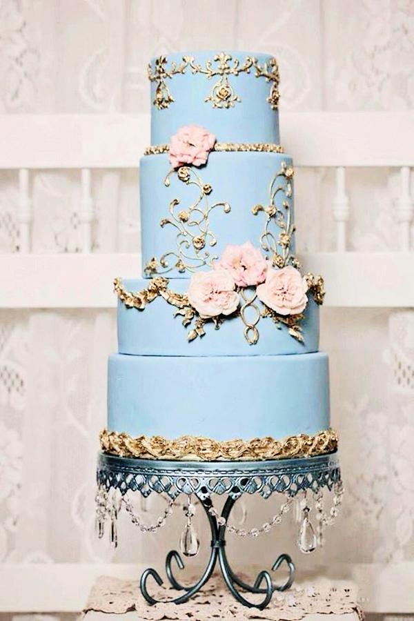 loopy-chandelier-blue-cake-plate-opulent-treasures.png