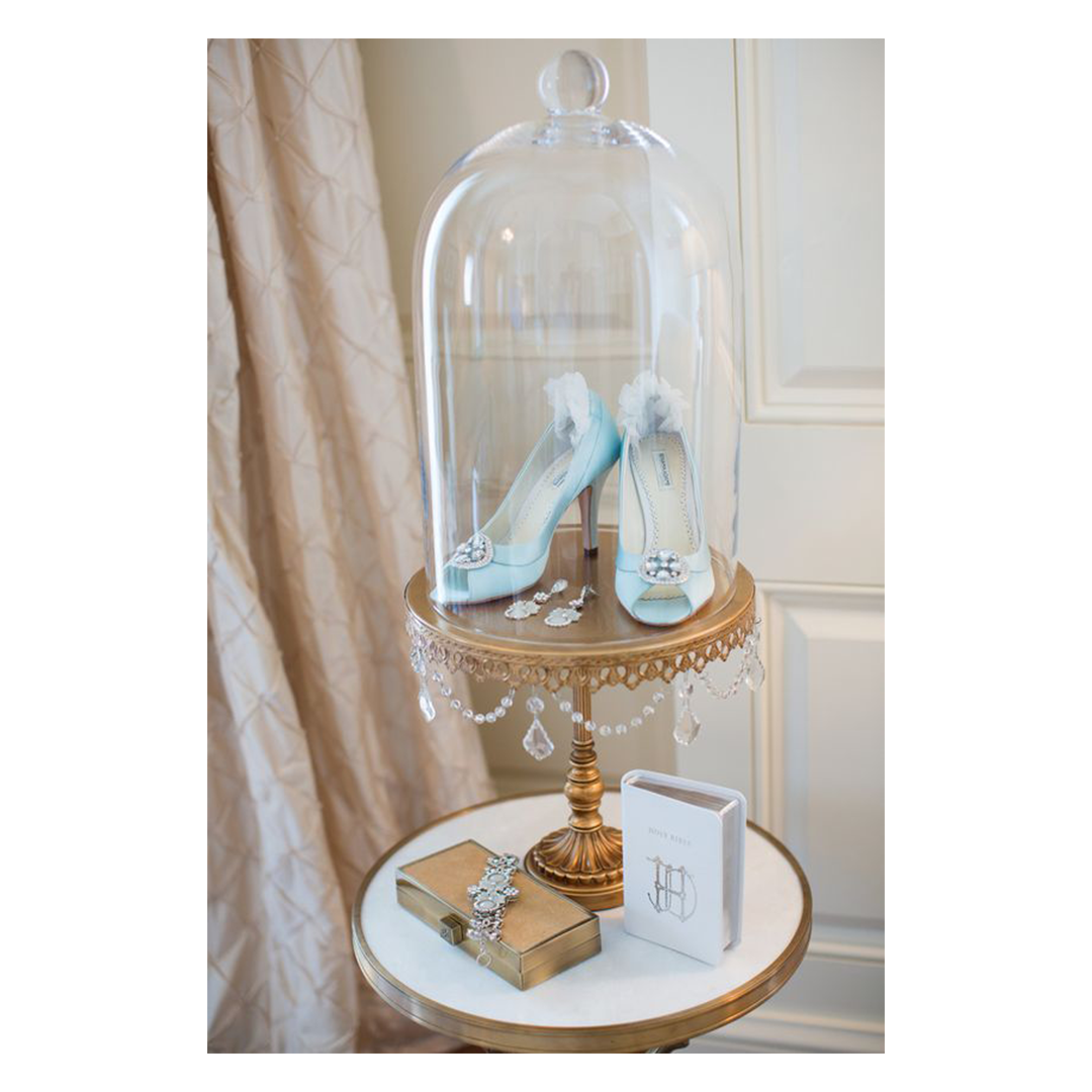 wedding-blue-shoes-cake-stand.png