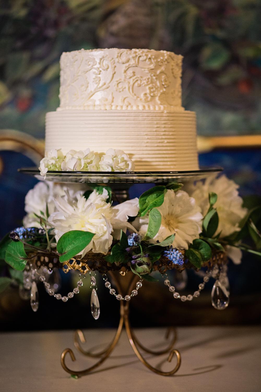 opulent-treasures-cake-stand-214_alante_KP2_3623.jpg