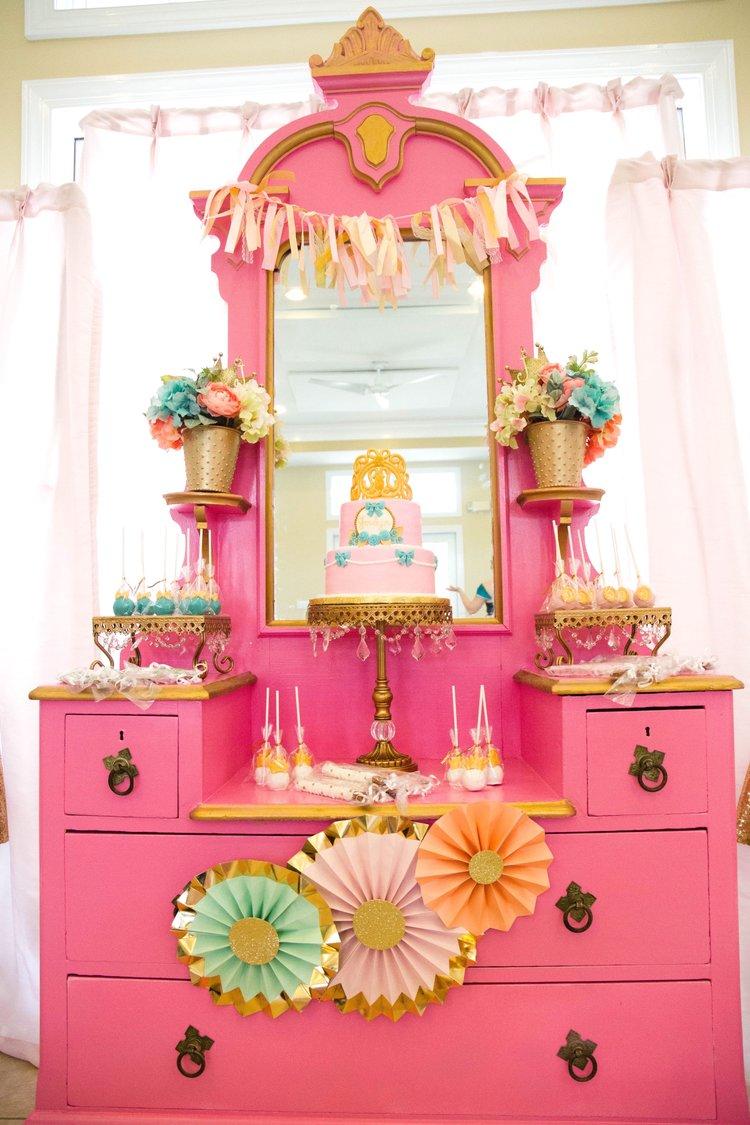 pink-gold-birthday-cake- opulenttreasures-cakestands.jpg
