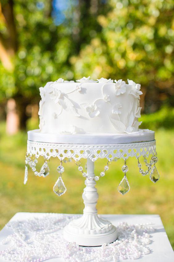 white-chandelier-cake-stand-wedding-cake.jpg