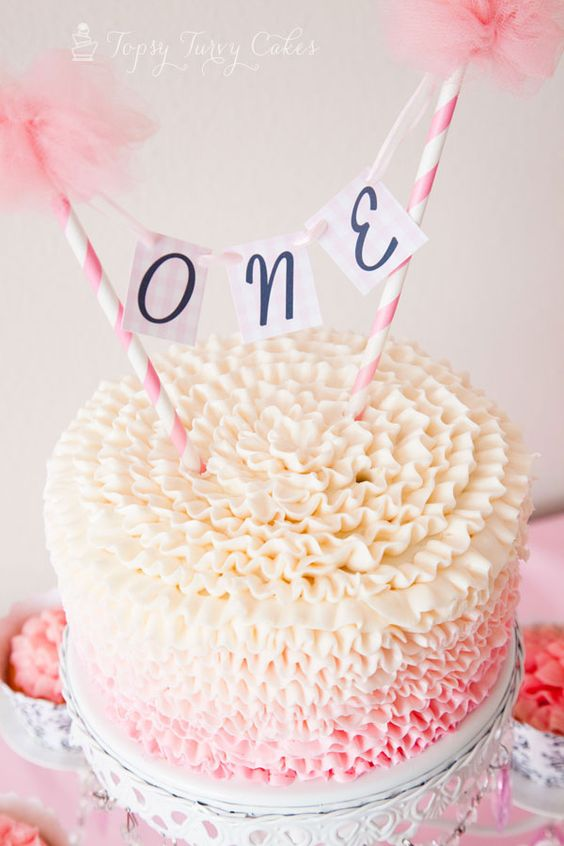 ruffled-frosting-white-cake-stand.jpg