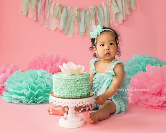 white-cake-stand-mint-cake.jpg