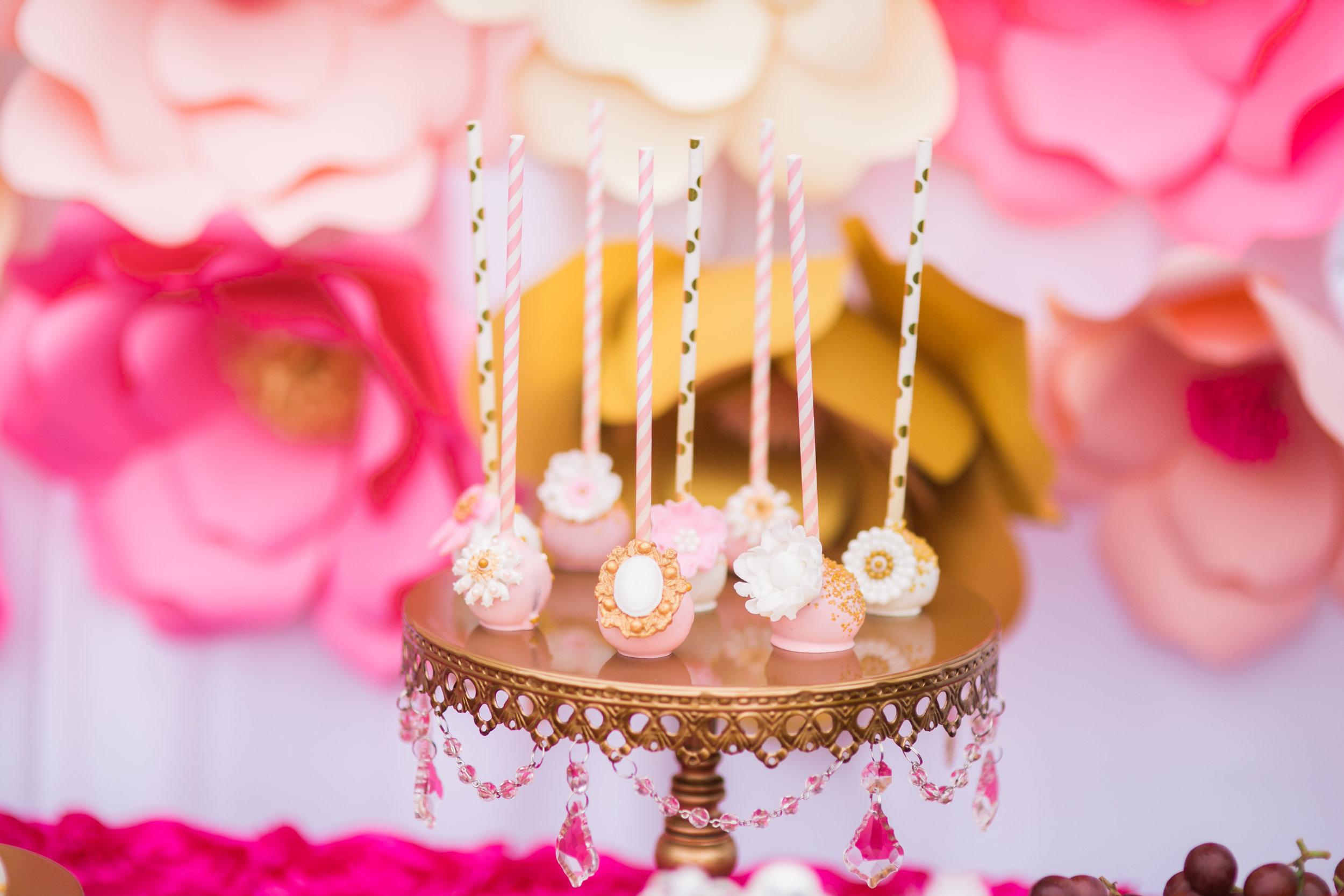 gold-chandelier-cake-stand-Birthday-cakepops_.jpg