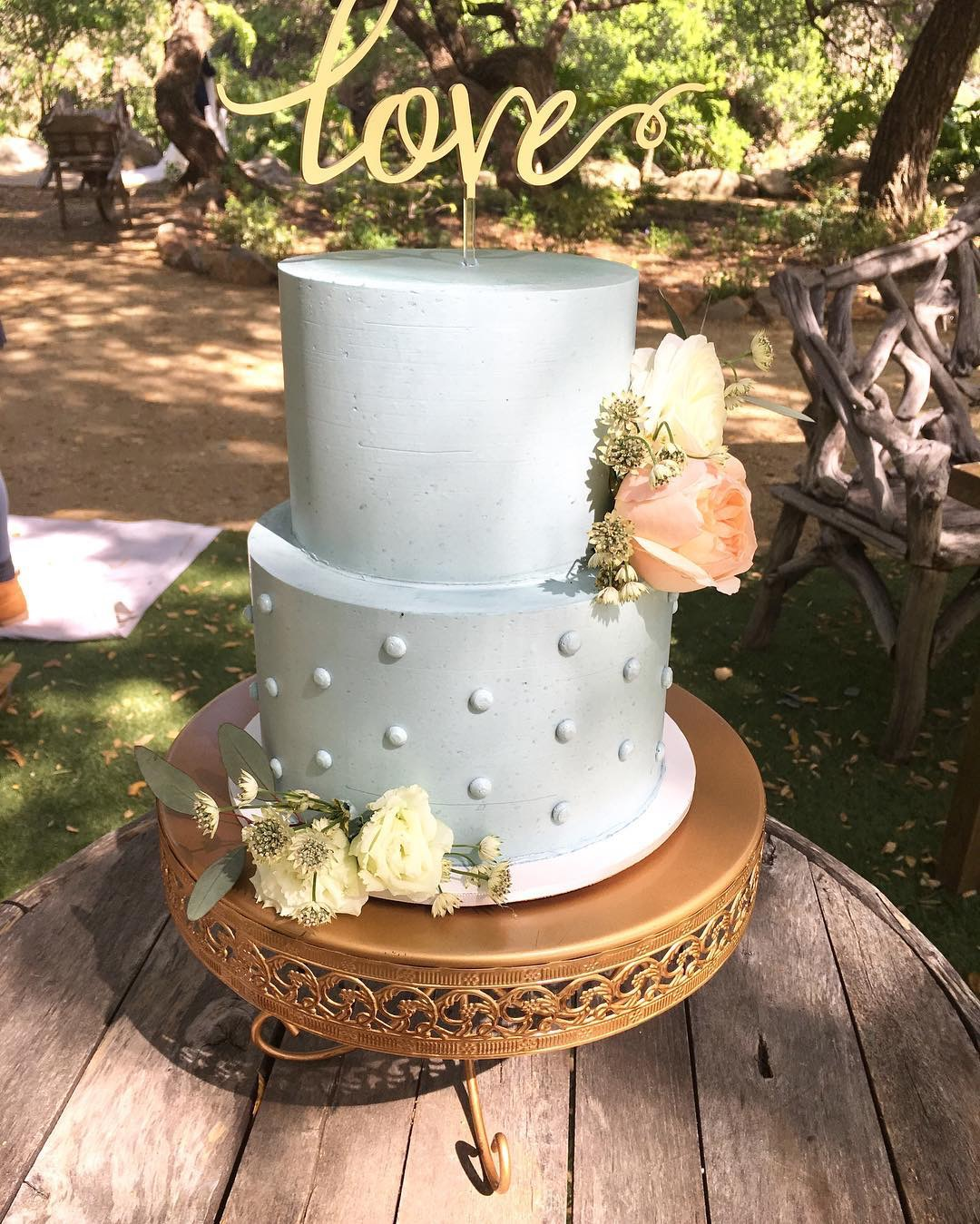 Love cake-topper-loppy-band-cake-stand-opulent-treasures.JPG