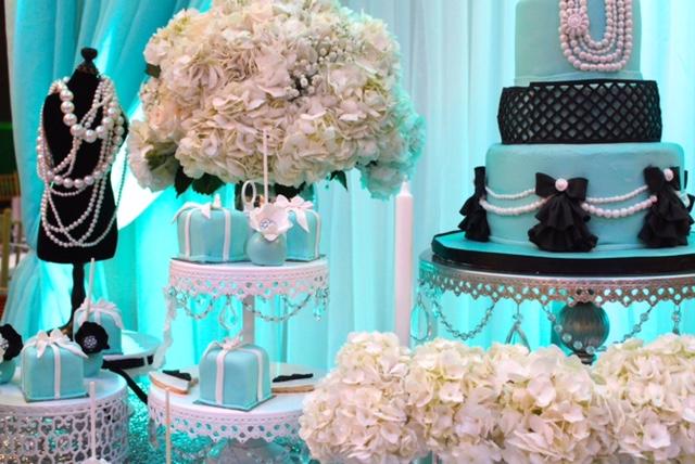 white-chandelier-cake-stand-tiffany-blue.JPG