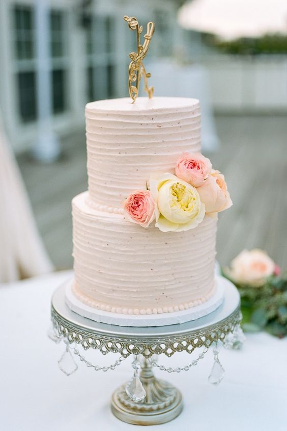 Cake design by  Faye Cahill Cake Design  Photo by  Jeff Loves Jessica    Opulent Treasures  Silver Chandelier Cake Stand