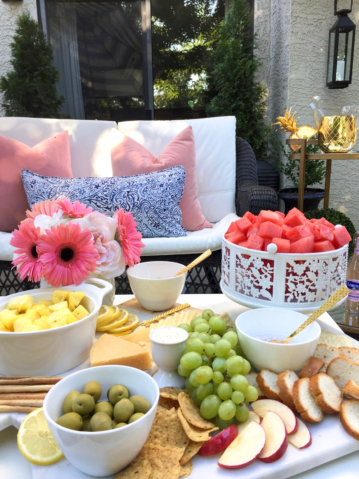 cake-stand-fruit-tray