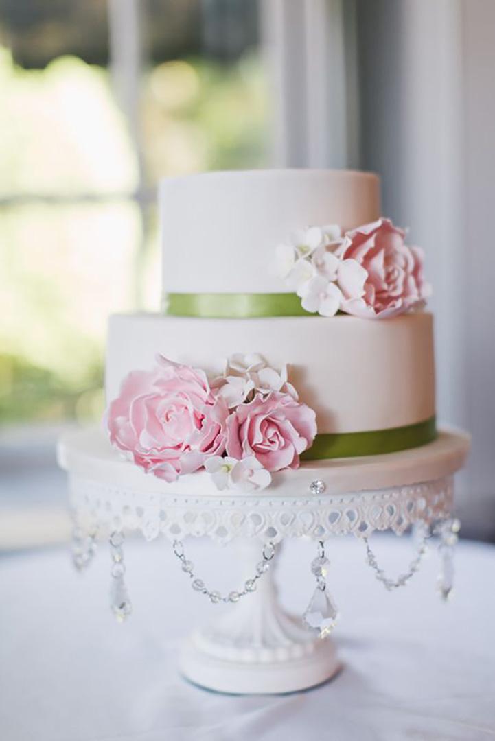 Opulent-Treasures-white-chandelier-cake-stand.jpg