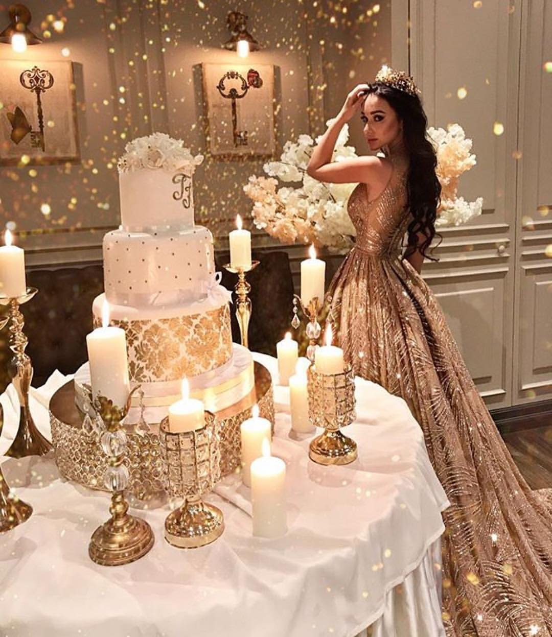 Opulent-Treasures-bling-wedding-cake-billionwomanofficial.JPG