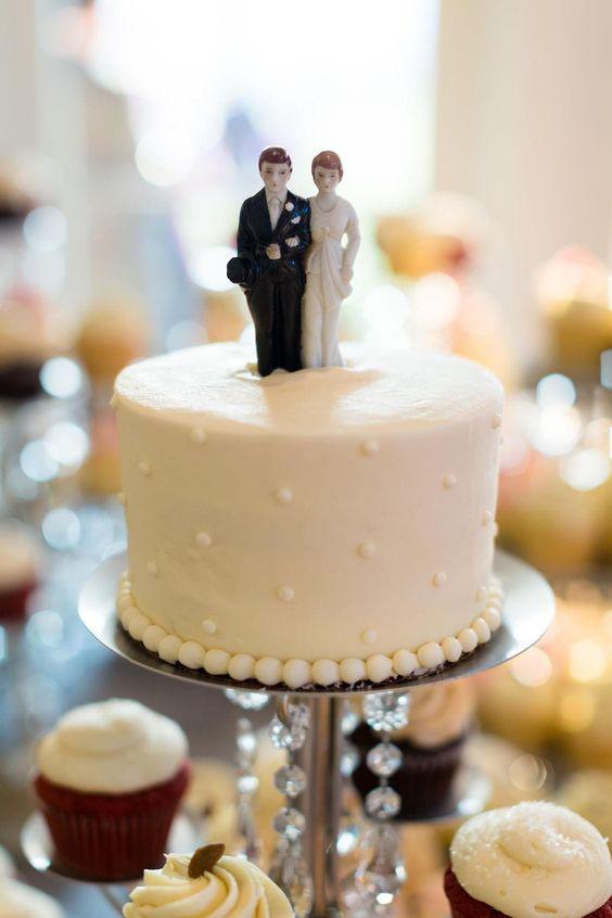 rosebud-dessert-stand-weddingcake-bride-groom-cake-topper.jpg