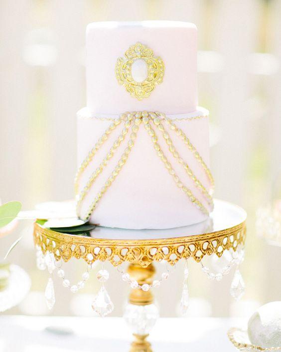 white gold-wedding-cake.jpg