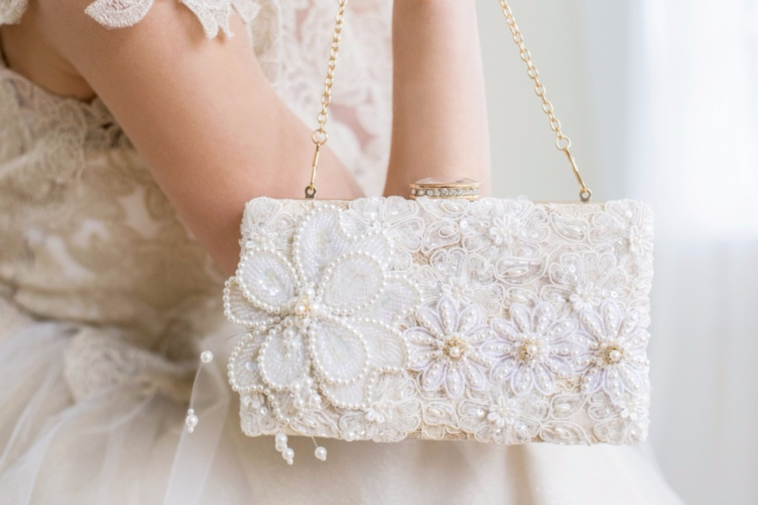 Yup, we'd say this was a statement clutch. Just add some beaded pearls and a beaded floral applique for serious effect.    Cloe Noel