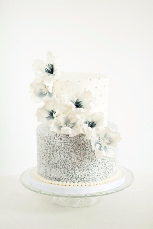 Sugar flower garland. Get it!   Sweet Avenue Cakery