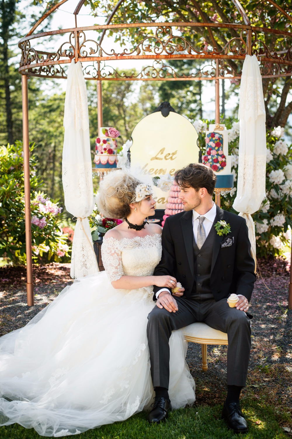 10_a-colorful-over-the-top-wedding-inspired-by-marie-antoinette.jpg